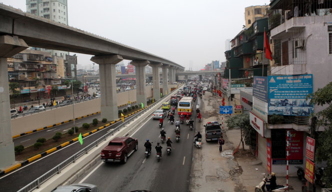 The 13-km rail line will link Cat Linh Street to Yen Nghia Bus Station in Ha Dong District, making 12 stops along the way. Photo credit: T.Phung/Tuoi Tre