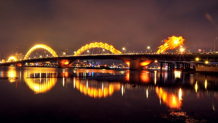 The six-lane Dragon Bridge of Da Nang, which breathes fire on weekends for tourists.