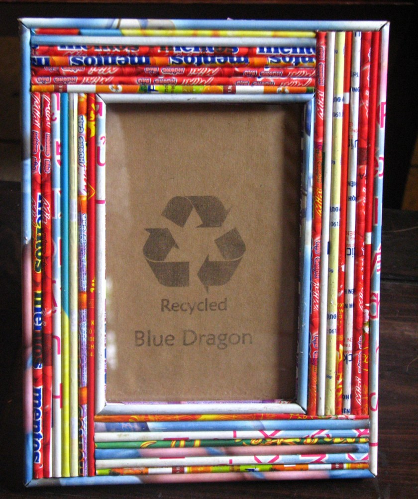 How to make a photo frame with waste material at home for Make a product from waste material