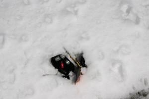 car-keys-in-snow
