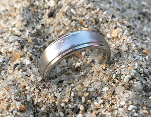 Lost tungsten wedding ring found on Santa Cruz beach