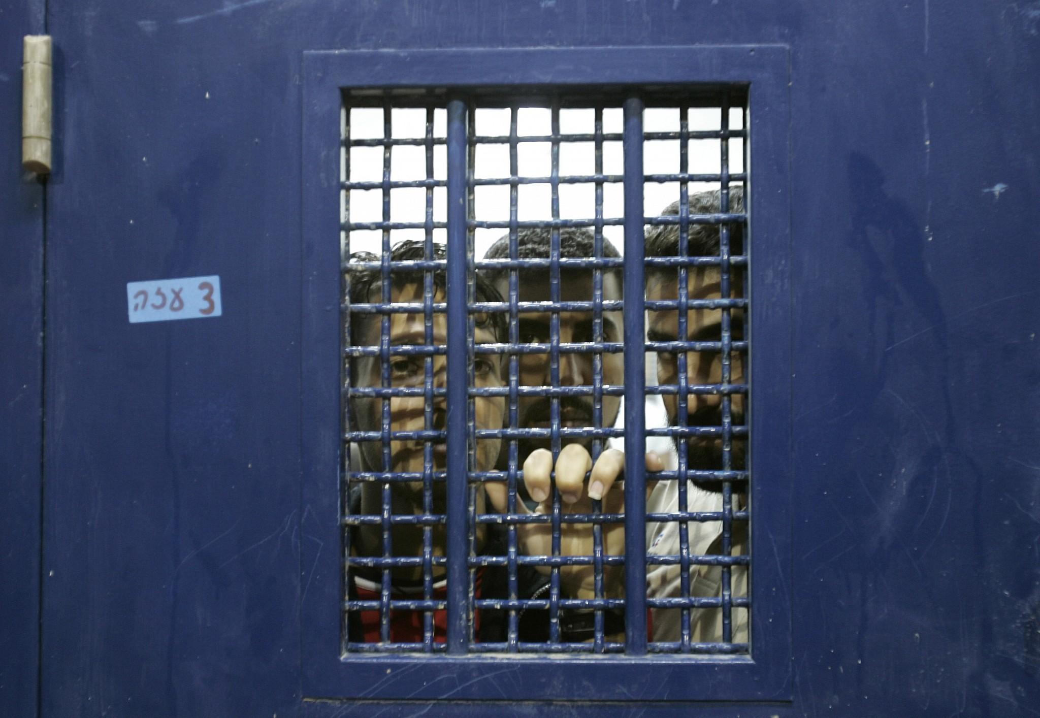 les prisonniers seront vaccines a