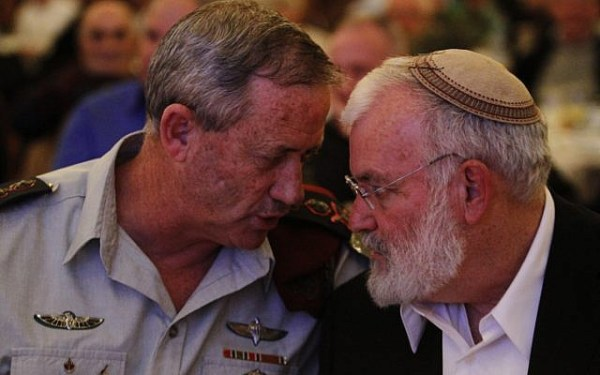 National Security Adviser Ya'akov Amidror (right) seen here talking with IDF Chief of General Staff Benny Gantz (photo credit: Miriam Alster/Flash90)
