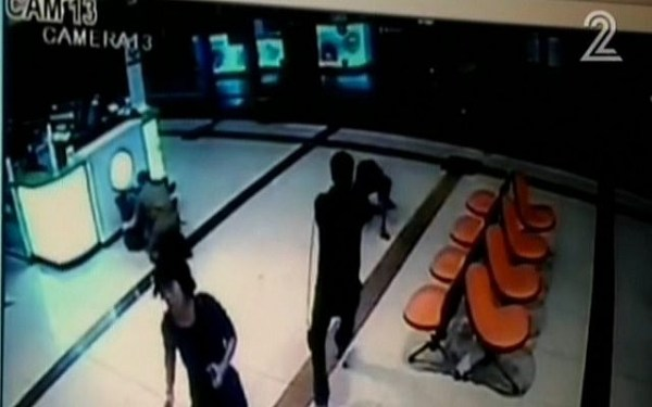 Security camera footage showing an Eritrean man being shot in the Beersheba central bus station on October 18, 2015, after he was thought to be a terrorist. (screen capture: Channel 2)