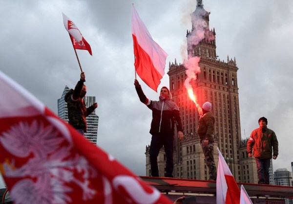 'Jews out of Poland' chants heard at far-right ...