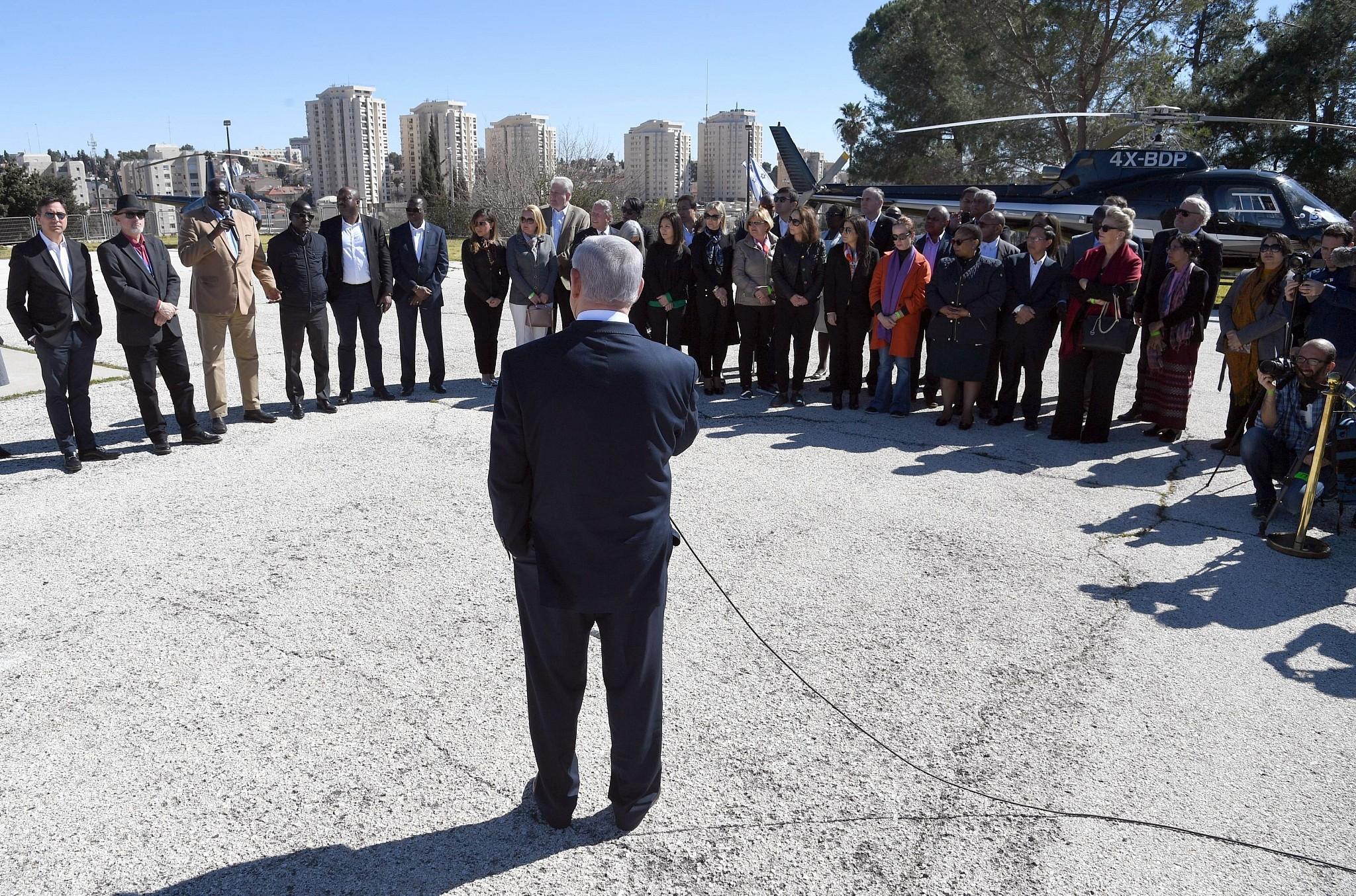 Iran Controls New Lebanese Government Netanyahu Tells