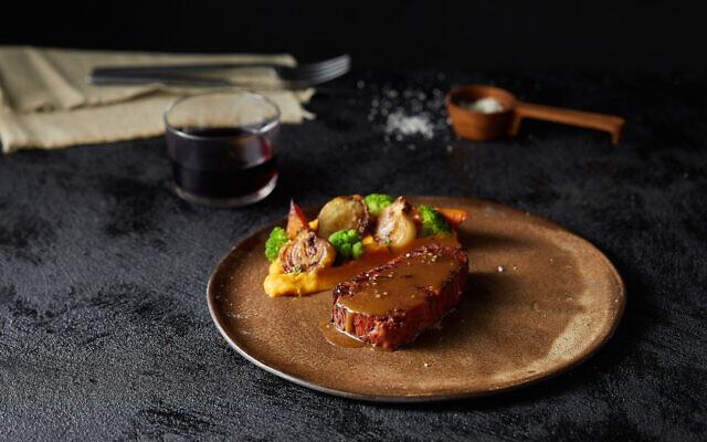 Redefine Meatが3D工業印刷機でステーキを作る