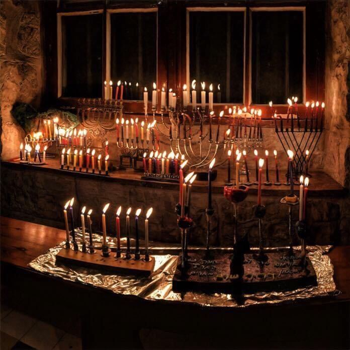 candle lighting with the toi community