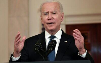 El presidente de los Estados Unidos, Joe Biden, pronuncia un discurso sobre el Medio Oriente en el Cross Hall de la Casa Blanca, en Washington, DC, el 20 de mayo de 2021. (Foto de Nicholas Kamm / AFP)