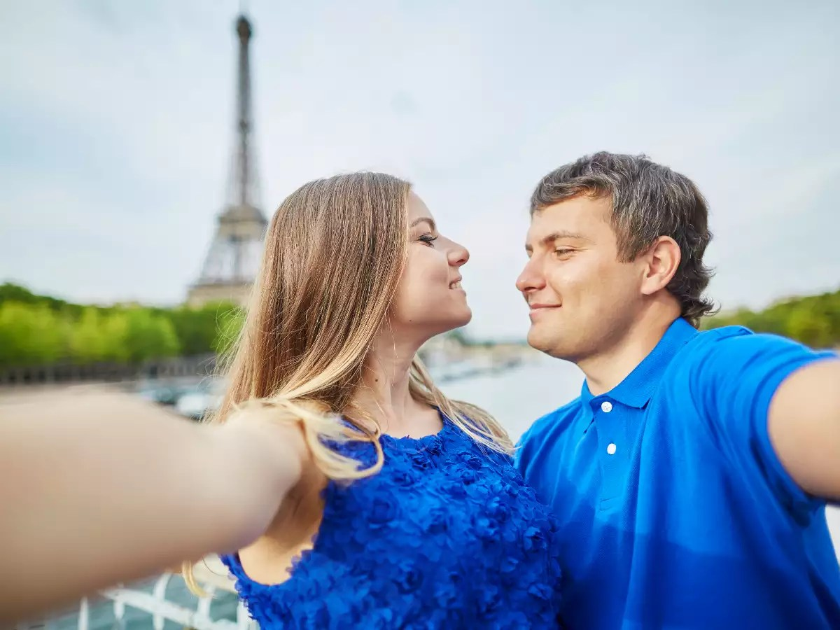 How to impress your partner on the first date, according to zodiac signs  | The Times of India