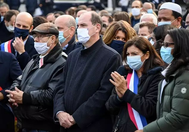 78735449 Shocked France rallies in solidarity after beheading of teacher