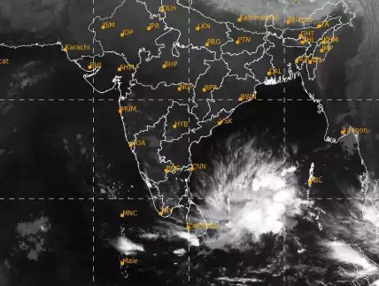 Cyclone Burevi: Parts of south Tamil Nadu, Kerala likely to get extremely  heavy rain | Chennai News - Times of India