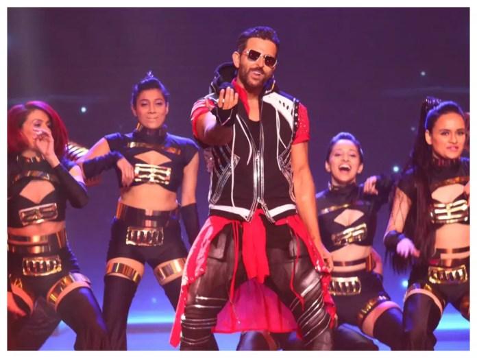 66th Vimal Elaichi Filmfare Awards 2021: Hrithik Roshan shares photos from  his electrifying dance performance   Hindi Movie News - Times of India