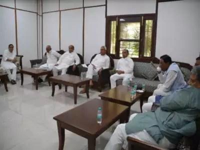 Nitish Kumar's JD(U) formally decides to join Modi ...