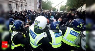 'BlackLivesMatter' protests in London descend into violence – Times of India