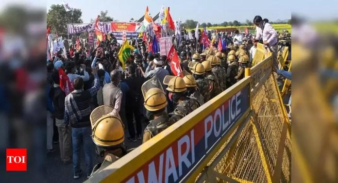 photo CM खट्टर के काफिले को रोकने के लिए हरियाणा में 13 किसानों के खिलाफ केस   इंडिया न्यूज - टाइम्स ऑफ इंडिया