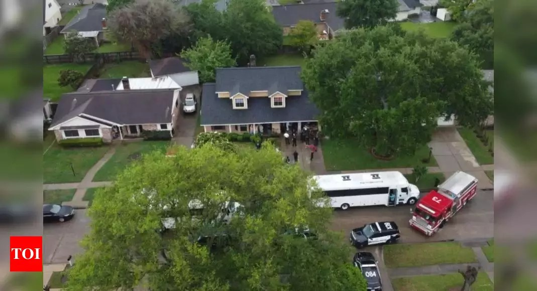 91 people found locked up in two-storey Houston home; human smuggling operation suspected – Times of India