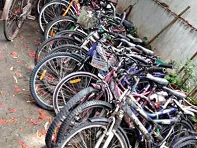 पुणे: साइकिल सवार नहीं कर रहा बाइक का इस्तेमाल, काम नहीं रहा पुणे समाचार