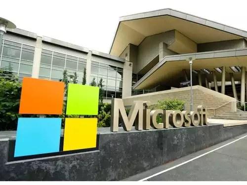 Microsoft: Google Docs are 'banned'