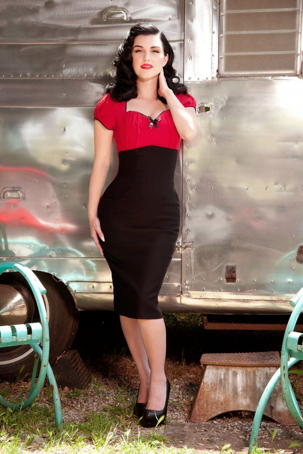 50s Mary Ann Pencil Dress In Black And Red