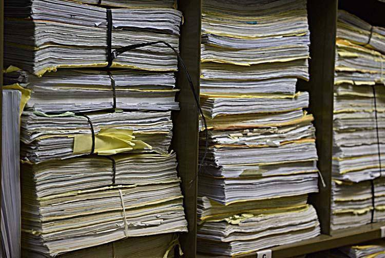 Colapsó la digitalización judicial y por ahora en los Tribunales seguirán los expedientes de papel