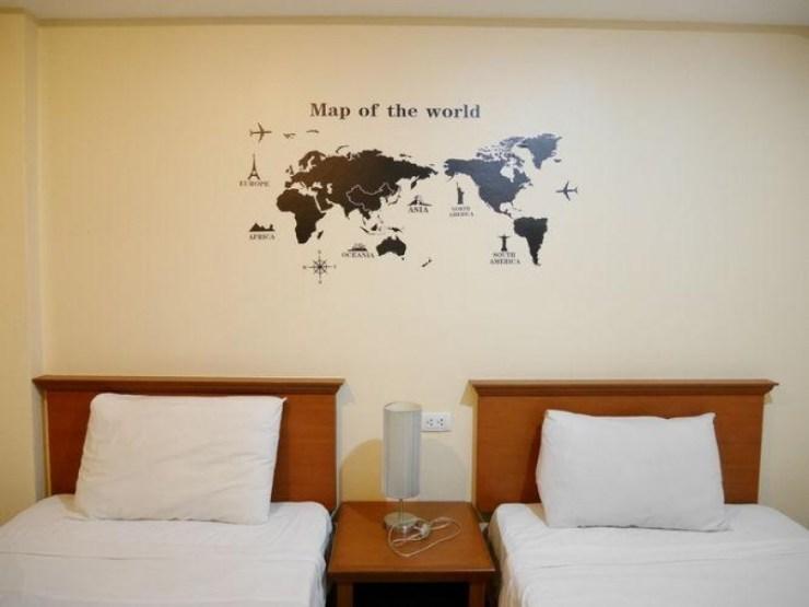 Top 7 Best Cheap Hotels in Phuket 6