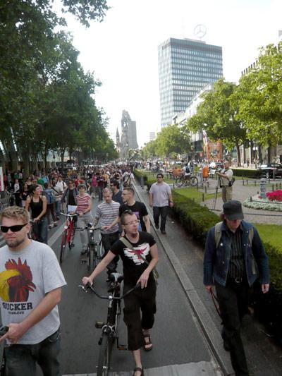 Demo Berlin Gegen das Hassverbrechen in Tel Aviv