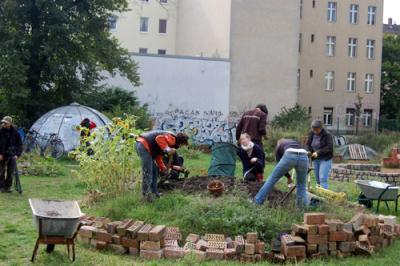 Rosa Rose Garten: Bau einer Kräuterschnecke