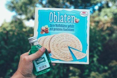 Pfeffi Schnaps & Oblaten, typisch DDR!