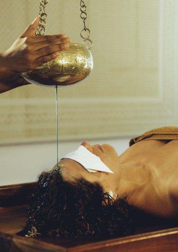 Ayurveda Reise Behandlung