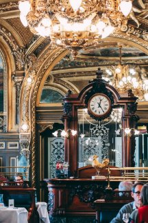 Le Train Bleu Paris