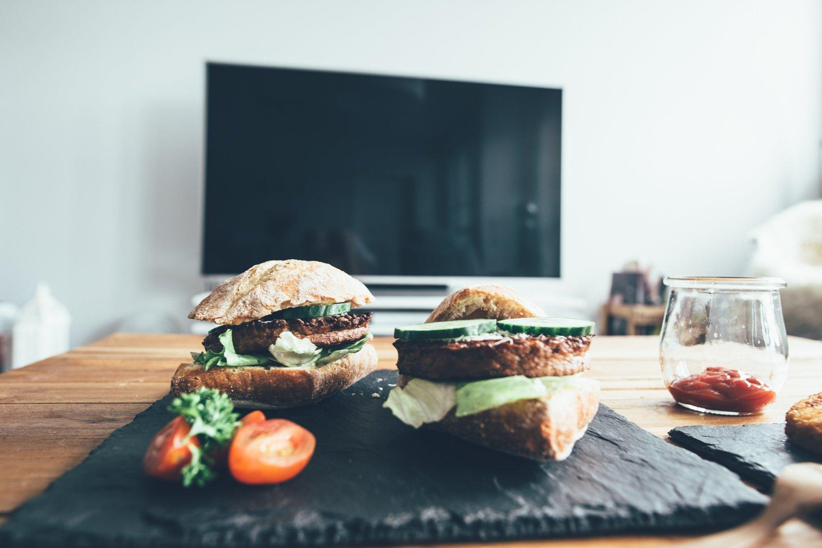 vegetarisch grillen mit den produkten der vegithek von edeka. Black Bedroom Furniture Sets. Home Design Ideas