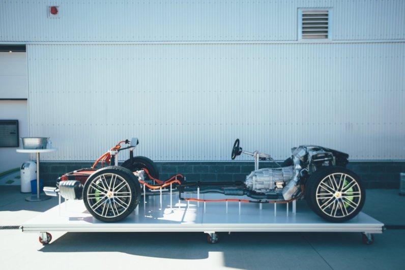 Porsche Panamera Sport Turismo Stripped to the Bone