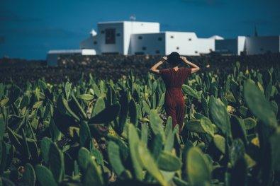Mia Bühler im Jardín de Cactus Lanzarote