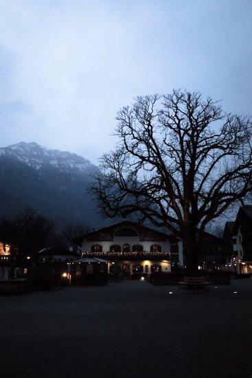 Mohrenplatz Wirtshaus und Schmankerlmarkt Garmisch