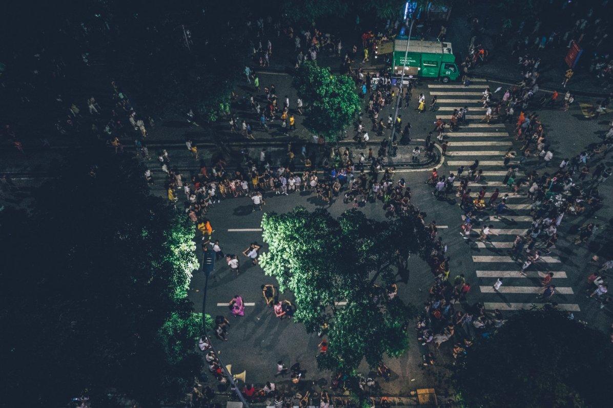 Die Strassen voller Menschen. Es ist der 02.Sep und in Vietnam ist National Feiertag