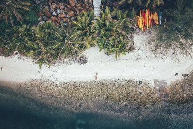 Das Kaireva Beach House liegt direkt am Strand!