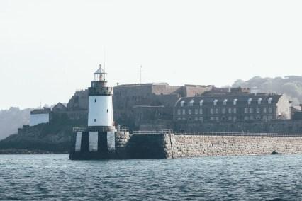der Leuchtturm vor St. Peter Port