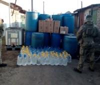 """На Одесчине в гараже нашли более тонны """"паленого"""" спирта"""