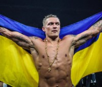 Боксер Усик опередил Ломаченко в рейтинге BoxRec
