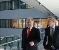 Порошенко обсудил со Столтенбергом безопасность в Черном море и на Азове