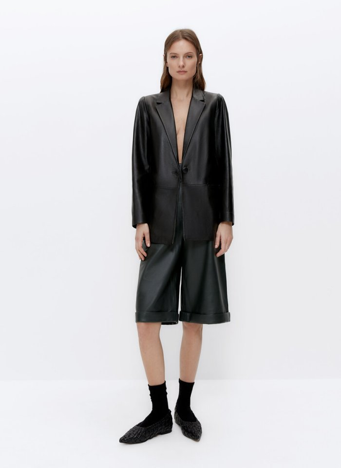 LEATHER BERMUDA SHORTS WITH BUCKLES and leather blazer Uterqüe