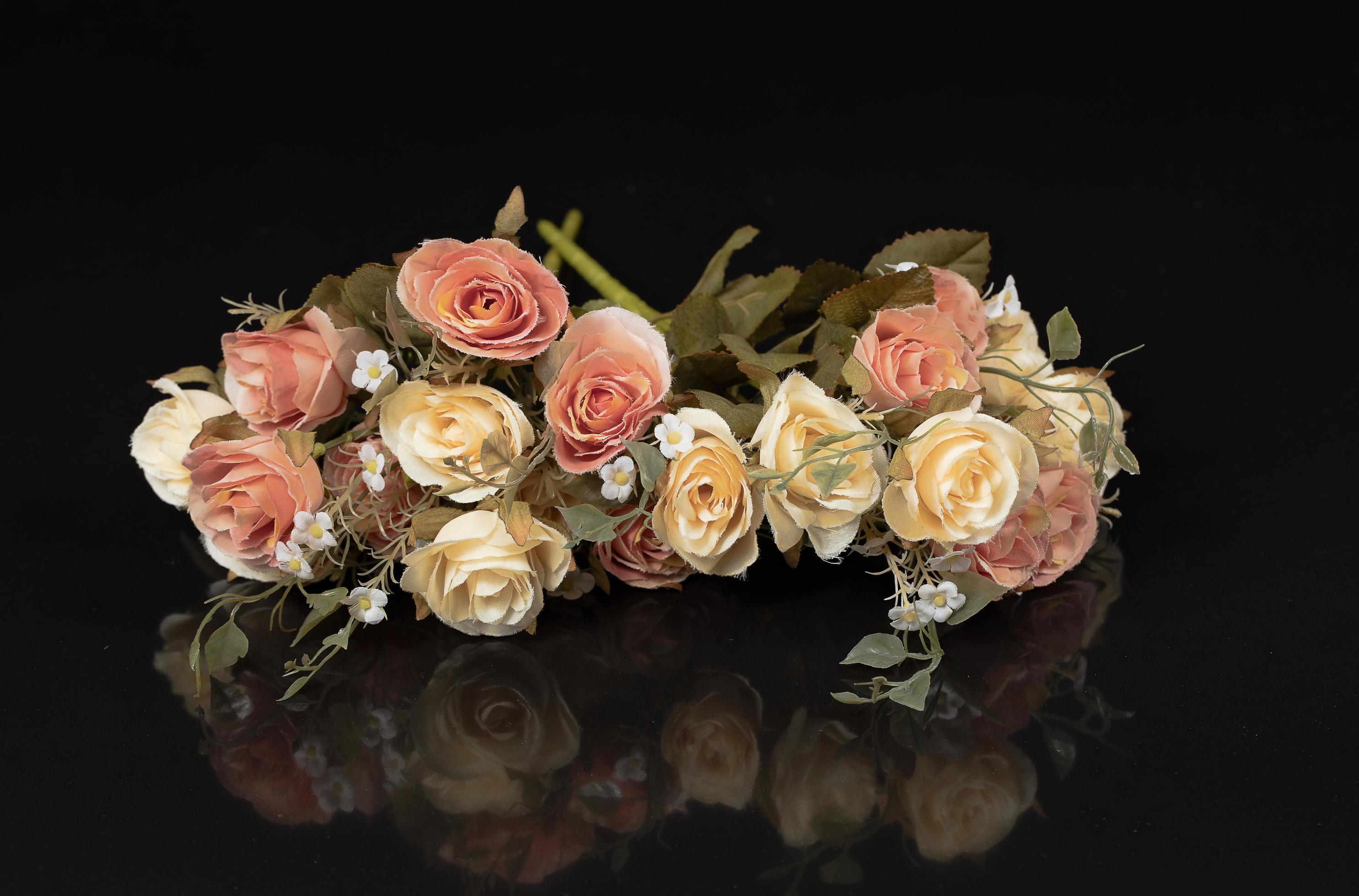 fleurs vintage sur fond noir 1978974