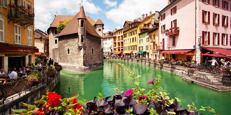 Your 24 Hour Guide to the Pearl of the Alps: Annecy, France