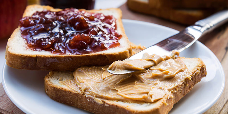 9 Wine Pairings For Your Favorite Sweet Spreads