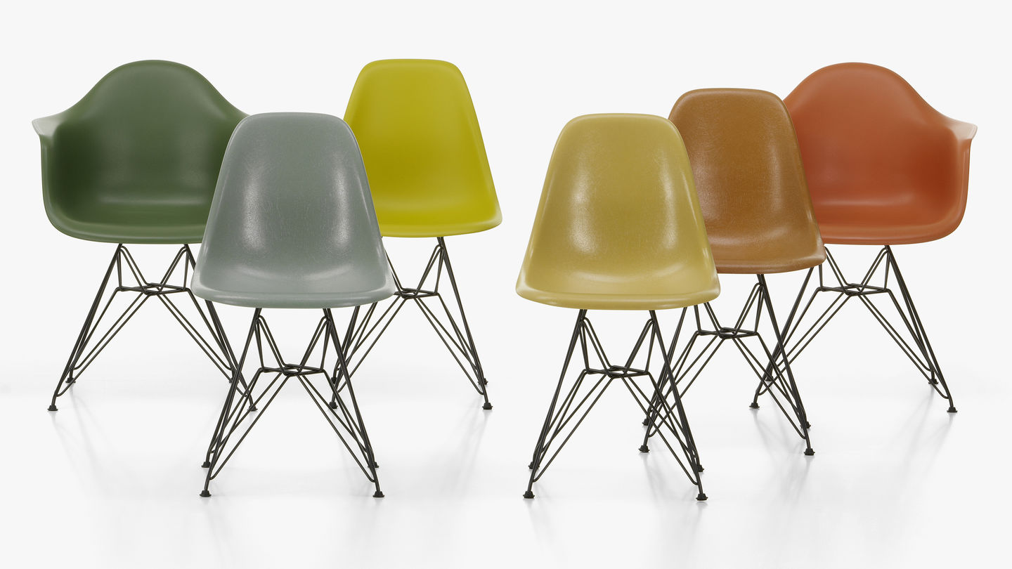 On the green fields around the museum you can see groups, but also individuals who hold the building in photos, many even by drawing or painting. Vitra Eames Plastic Chairs Official Vitra Online Shop