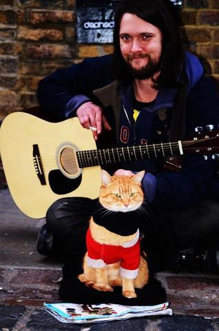 un chat et son maître se sauvent mutuellement la vie
