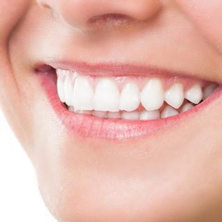 فوائد قشر الموز لتبيض الاسنان