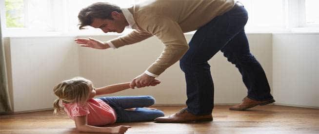نتيجة بحث الصور عن يعتبر الضرب والصفع وسيلة يعتمدها بعض الأهل للتأديب