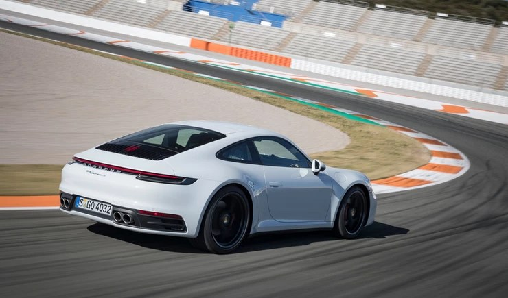 Carrera S on track